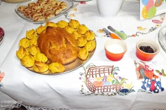Pão de cenoura em formato de coelhos