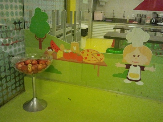 As maçãs localizadas próximo ao refeitório, na unidade Tijuca